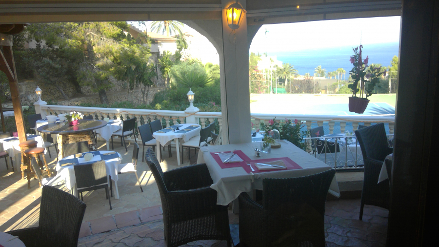 Restaurant with housing in Calpe